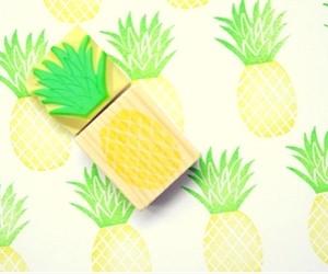 Штамп ананас для игры с ребенком