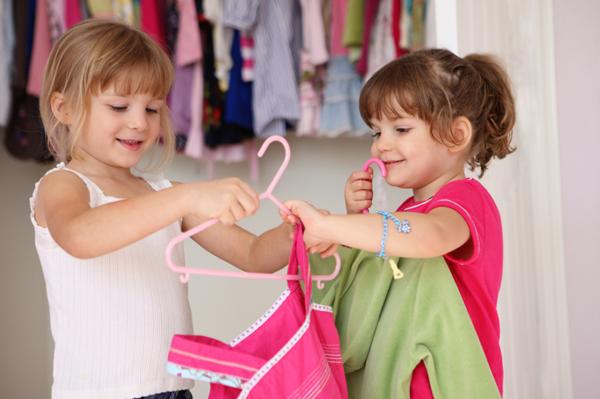 Как научить ребенка одеваться самостоятельно