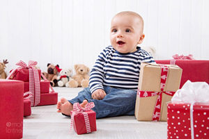 Что подарить ребенку на 2 год