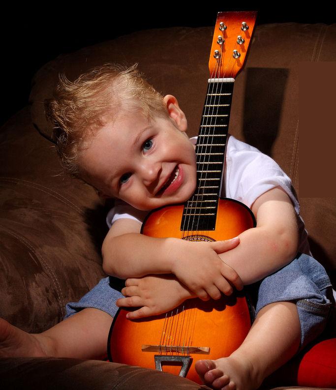 Музыкально-танцевальные занятия с детьми
