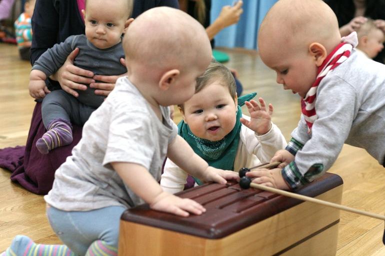 Музыкальное развитие детей, занятия для малышей